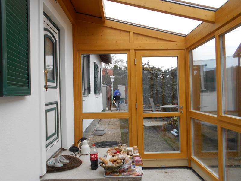 kreativer holzbau windfang in hollabrunn. Black Bedroom Furniture Sets. Home Design Ideas